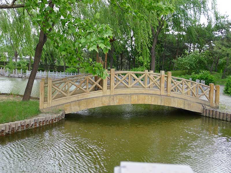 天寿陵园木桥